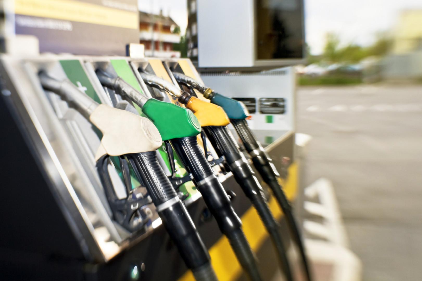 El precio de la gasolina por rossii