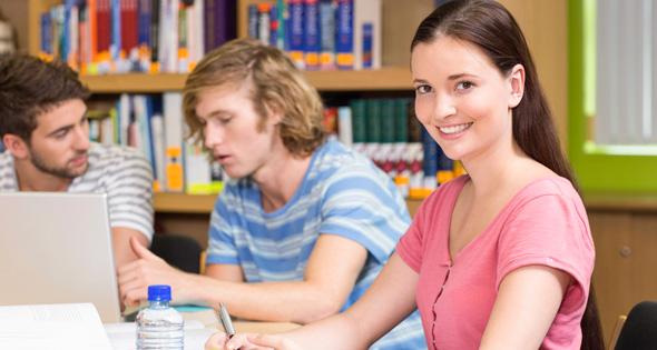 Existen nuevos estudios que te pueden dar trabajo en el futuro (iStock)