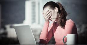 No tienes porque aceptar a tu jefe, para eso esta Linkedln. (iStock)