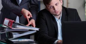 Compaginar dos trabajos puede repercutir en tu salud... y en tu bolsillo (iStock)
