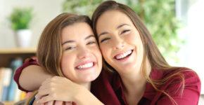 10 riesgos de recomendar a un amigo en tu trabajo (istock)