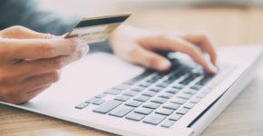 Comprar cosas por internet (istock)