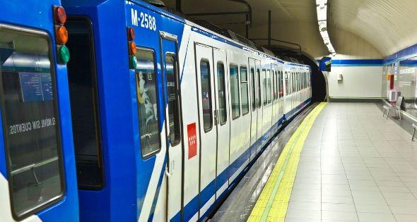 Con las contrataciones quieren mejorar el servicio y los tiempos de espera del metro (istock)