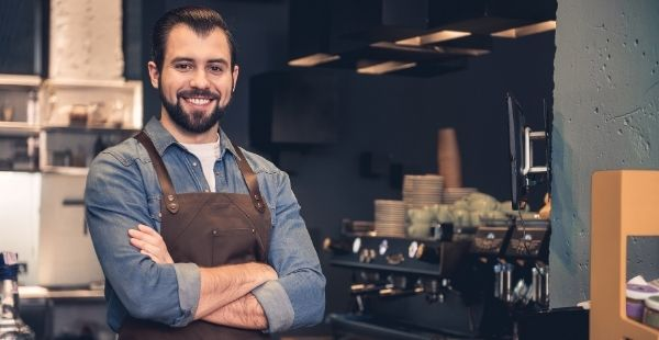 Trabajar como regente en un bar (iStock)