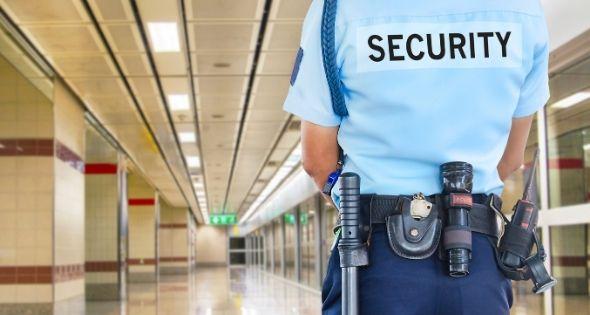 Los guardias de seguridad reaccionaron violentamente ante Pablo (iSTock)