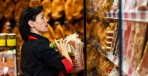 Mujer trabajando en un supermercado (iStock)