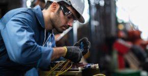 Se busca personal para empresa de electricidad (iStock)