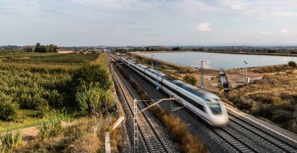 Tren de Alta Velocidad (iStock)