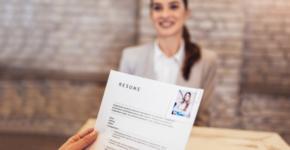 El currículum vitae es una de las claves principales para encontrar trabajo.